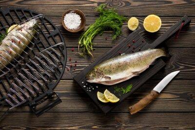 Fototapete Frische ganze Forellen Fische zu grillen Draufsicht vorbereitet