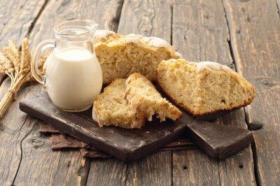 Fototapete Frische hausgemachte Laib Brot mit Milch