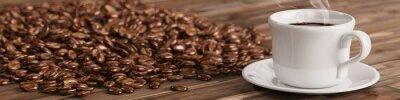 Fototapete Frische Tasse Kaffee mit vielen Kaffeebohnen