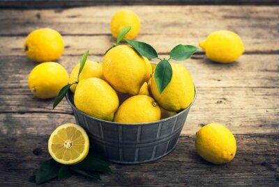 Fototapete Frische Zitronen auf dem rustikalen Märchen