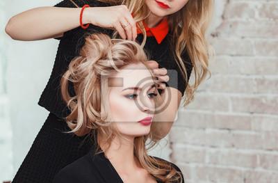 Fototapete Friseur Macht Business Abend Frisur Close Up Auf Sandigen Blonden