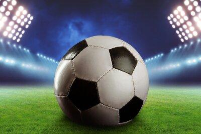 Fototapete Fußball auf dem Fußballplatz