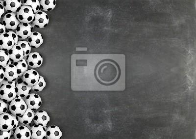 Fußball Bälle auf Tafel Hintergrund mit copy-space.3D Rendering