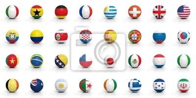 Fußbälle mit verschiedenen Flaggen auf weißem