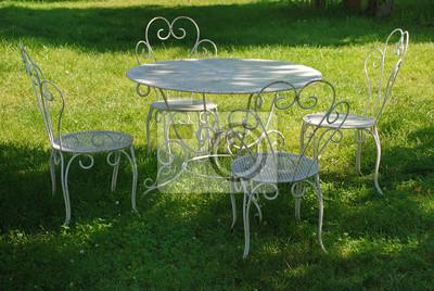 Gartentisch Und Stuhle Im Sommer Fototapete Fototapeten