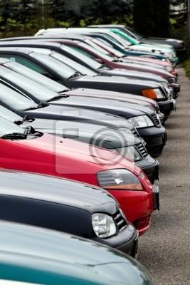 Fototapete Gebrauchte Autos Bei Autohändler Gebrauchtwagenhandel