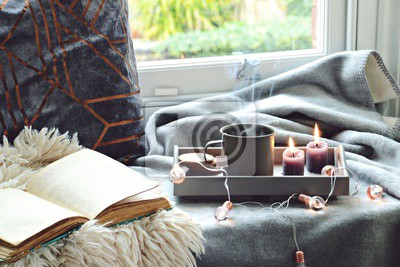 Gemutliches Zuhause Mit Einer Tasse Tee Mit Dampf Decke Buch