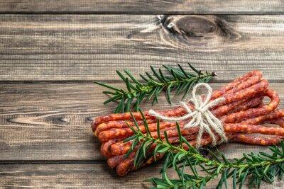 Fototapete Geräuchertes kabanos Wurst - traditionelle dünne Wurst