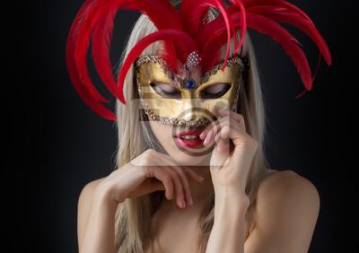 Fototapete Glamour Foto von sexy Frau mit geheimnisvollen venezianischen Maske