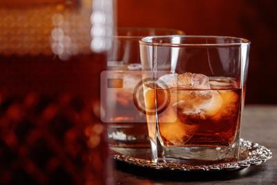 Glas Schottischer Whisky Und Natürliches Eis Fototapete
