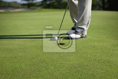 Golfer Klopfen in kurzen Putt