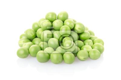 Grüne Erbsen Haufen isoliert, Clipping-Pfad enthalten