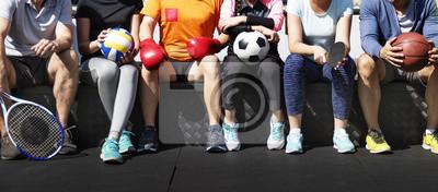 Fototapete Gruppe verschiedene Athleten, die zusammen sitzen