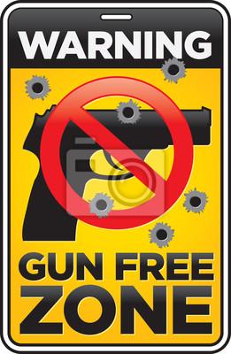 Gun Free Zone Schild mit Einschusslöchern