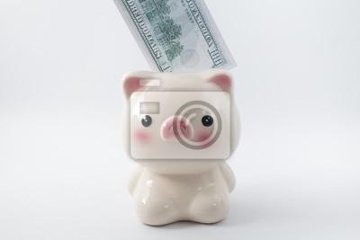 Hand, Geld zu sparen mit Sparschwein Hintergrund, Sparkonzept.