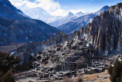 Fototapete Himalaya-Gebirge in Nepal, Blick auf kleine Dorf Braga auf Annapurna Schaltung