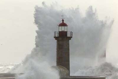 Fototapete Hintergrundbeleuchtete große stürmische Welle
