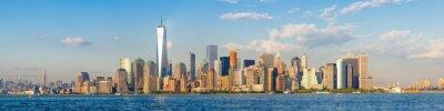 Fototapete Hochauflösende Panoramablick auf die Innenstadt von New York City Skyline aus dem Meer gesehen