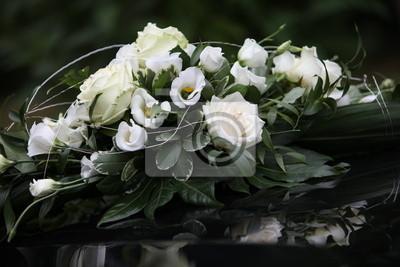 Hochzeit Blumenschmuck Auf Der Motorhaube Rosen Fototapete
