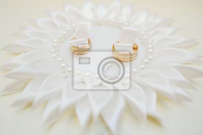 Fototapete Hochzeit Ringe Auf Einem Kissen