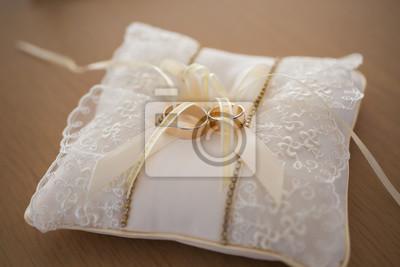 Hochzeit Ringe Auf Einem Kissen Fototapete Fototapeten Einheit
