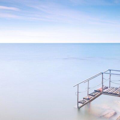 Fototapete Holzleiter Pier zum Meerwasser. Langzeitbelichtung.