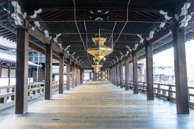 Fototapete Innenraum des hölzernen Shinto Nishi Hongan-Ji Tempels in Kyoto - Honshu - Japan - Asien
