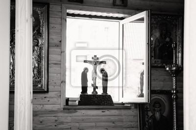 Interieur der orthodoxen kirche, altar, ikonostase, ikonen ...