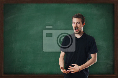 Junge attraktive Musiklehrer Gesang