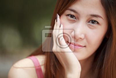 Junge lange Haare Asien Frauen