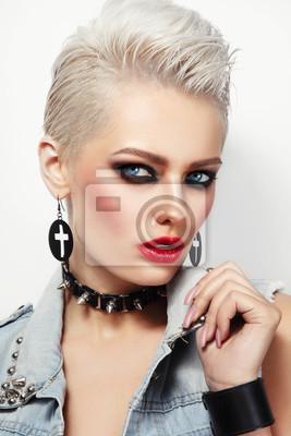 Fototapete Junge Schöne Platin Blonde Frau Mit 80er Jahre Stil Make Up