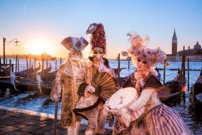 Fototapete Karneval Masken gegen Sonnenaufgang in Venedig, Italien