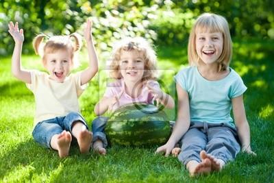 Kinder Picknick Tafel : Kinder mit picknick fototapete u2022 fototapeten picknick barfuß