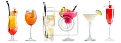Fototapete Klassische Cocktails isoliert auf weiß