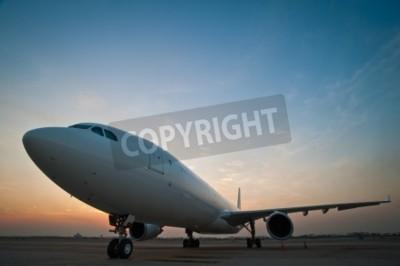 Fototapete Kommerziellen Flugzeug Parken am Flughafen