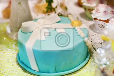 Kostliche Wunderschone Hochzeitstorte In Soft Blau Oder Turkis