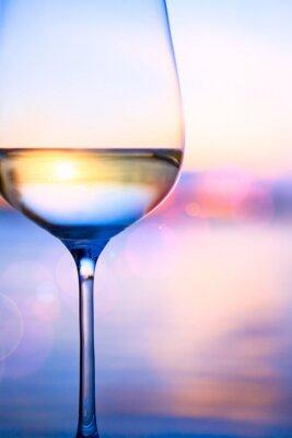 Fototapete Kunst Weißwein auf Sommer Meer Hintergrund