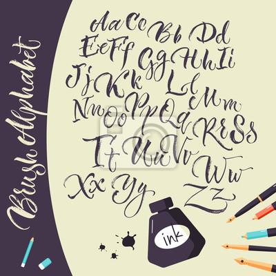 Künstlerische Hintergrund mit Tinte Stifte und Alphabet