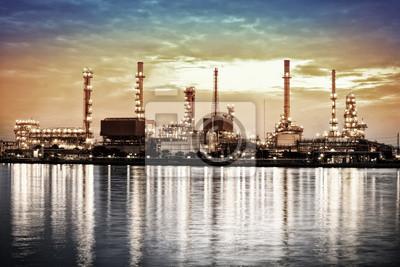 Landschaft des Flusses und Öl-Raffinerie Werk