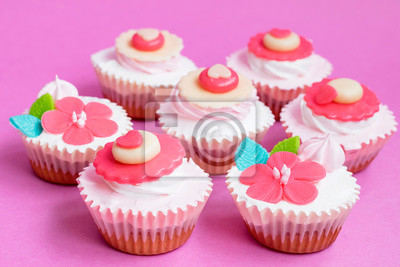 Leckere Sahne Cupcake Fur Valentinstag Nahansicht Liebe Konzept