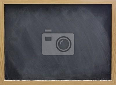 leere Tafel mit weißer Kreide Staub und Flecken