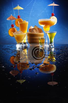 Leidenschaft Diaquiri; Mango Margarita; Schraubendreher und Triple-Sec.