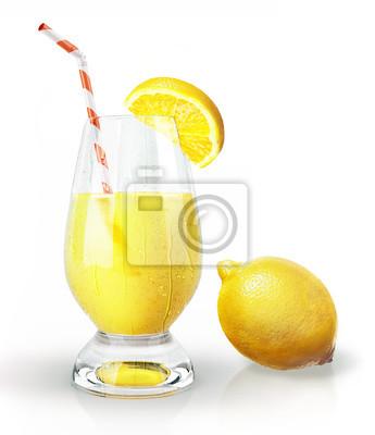 Lemon obst und glas saft mit stroh und gewürznelke. fototapete ...