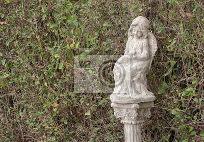 Little Angel Alte Und Schmutzige Statue Von Kleinen Engel Sitzt