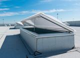 Fototapete dachfenster  Dachfenster fototapeten größe der wand • tile, Fenster ...