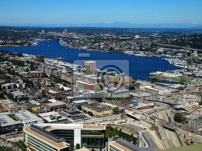 Luftaufnahme der Innenstadt von Seattle und Lake Union