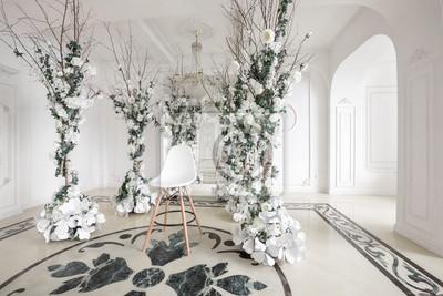 Luxuriöser vintage-interieur mit spiegel im aristokratischen ...