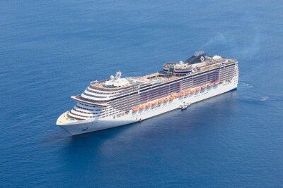 Fototapete Luxury cruise ship.