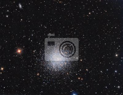 M13 Globular Cluster in Konstellation Hercules abgebildet mit einem Teleskop und einer wissenschaftlichen CCD-Kamera