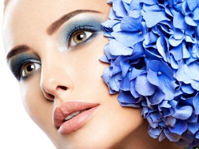 Fototapete Makeup Face Flower Blue Woman Fashion